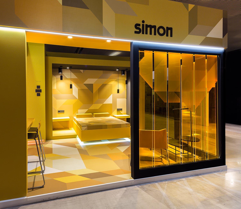 Vista principal del stand de Simón en Interihotel